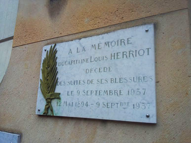 Plaque à la mémoire du capitaine Louis Herriot